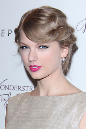 Pictures of Taylor Swift at Crestock.com - Celebrity Collection