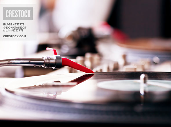 Crestock Wallpaper: Playing Vinyl